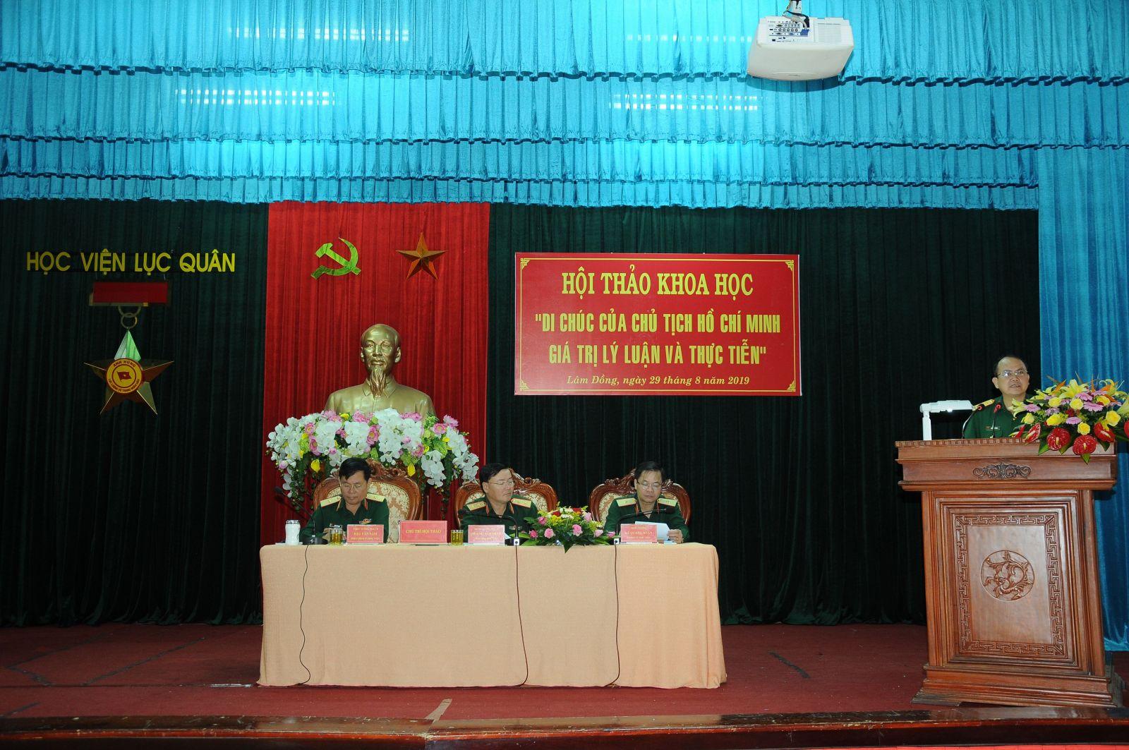 """Học viện Lục quân tổ chức Hội thảo khoa học """"Di chúc của Chủ tịch Hồ Chí Minh - giá lý luận và thực tiễn"""""""